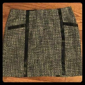 Banana Republic Size 6 Tweed Skirt